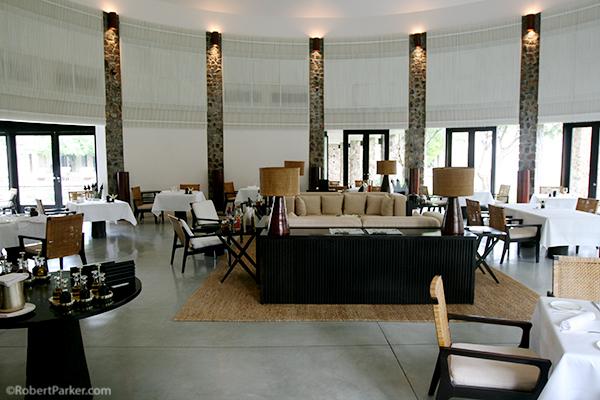https://robert-parker-content-prod.s3.amazonaws.com/media/image/2016/09/21/aea544725aa84f1aa0f1678b9fade8de_Angkor+-+Amansara+dining+room+high+res.JPG
