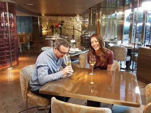 https://robert-parker-content-prod.s3.amazonaws.com/media/image/2016/11/09/18df9144f64b430badbdd72edfe21c9e_hong_kong_tv_interview.jpg