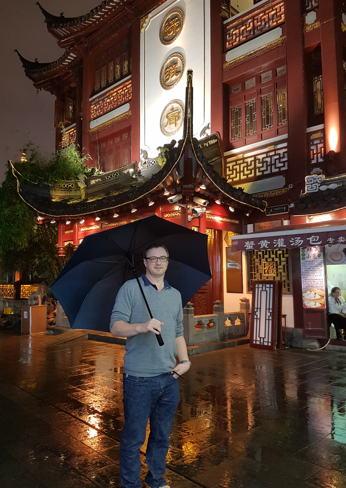 https://robert-parker-content-prod.s3.amazonaws.com/media/image/2016/11/13/66c25936fd9a4797a51481896d607d85_shanghai_lu_bo_lang.jpg