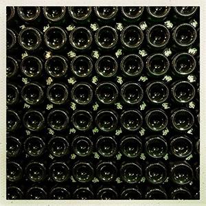 https://robert-parker-content-prod.s3.amazonaws.com/media/image/2017/09/11/1fdf202a51644bcc8de4f5de0ec380cb_cantillon_bottles.jpg