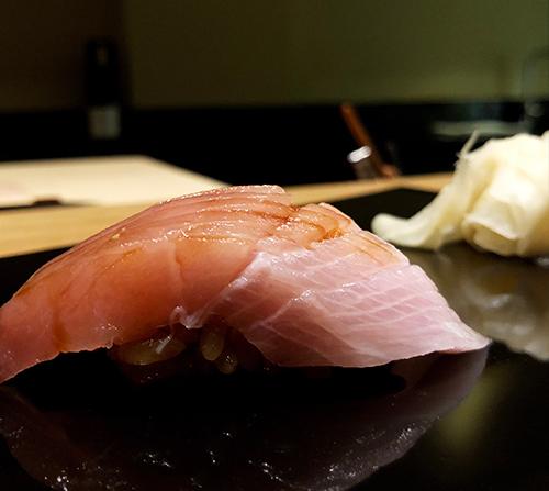 https://robert-parker-content-prod.s3.amazonaws.com/media/image/2018/01/22/715cdb095e7149bfbeb26ce2b7586057_hamachi_hg_kiro_sushi.jpg