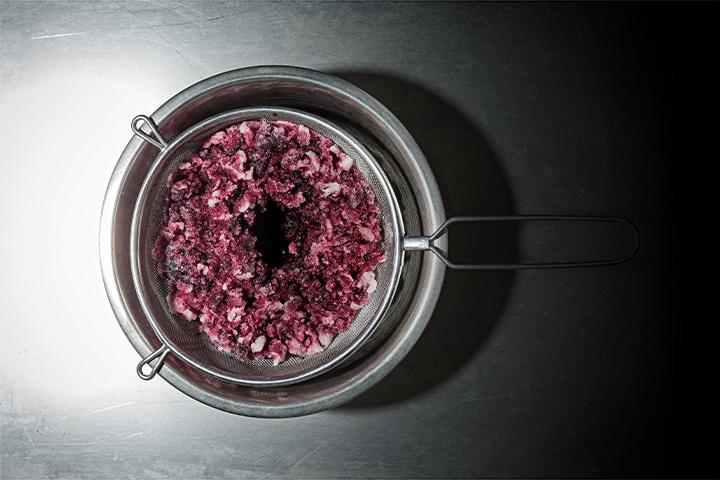 https://robert-parker-content-prod.s3.amazonaws.com/media/image/2018/11/21/5dce190b81d24f20afedd26b4097e2f5_SOUS-VIDE-Cryoconcentration-courtesy-Cuisine-Solutions-INLINE.jpg
