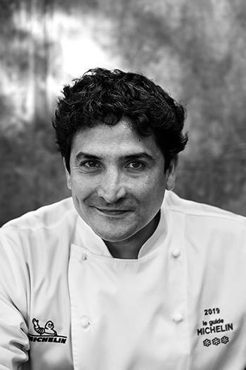 https://robert-parker-content-prod.s3.amazonaws.com/media/image/2019/03/21/a053d10af559442b8d83d105dd74e5f6_Chef-Mauro-Colagreco-Mirazur-PC-Matteo-Carassale-SIDE.jpg