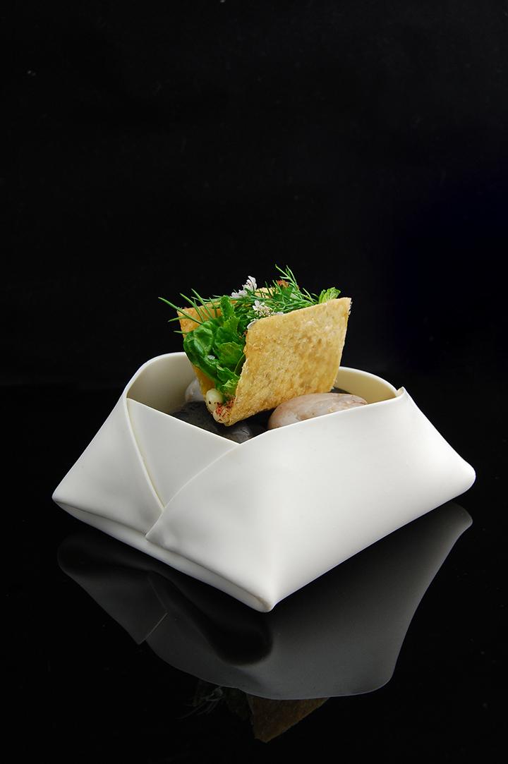 https://robert-parker-content-prod.s3.amazonaws.com/media/image/2019/03/22/e9c74a096d154d2982c6c7f6215baebc_Chicken+Shawarma+Taco_minibar_INLINE.jpg